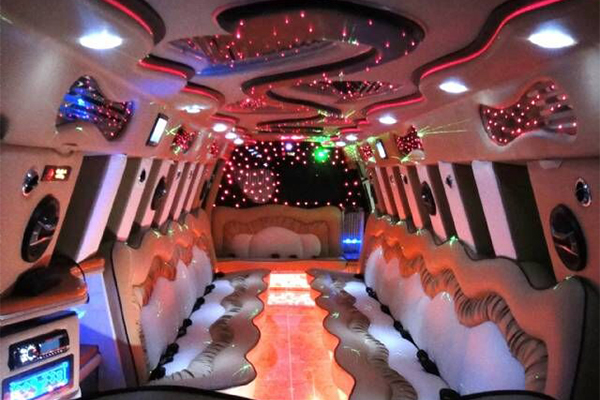 14 Person Escalade Limo Services Nashville
