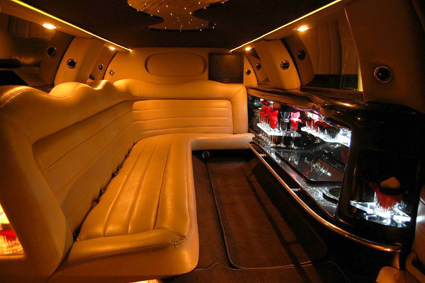 8 Person Lincoln Limo Service Nashville