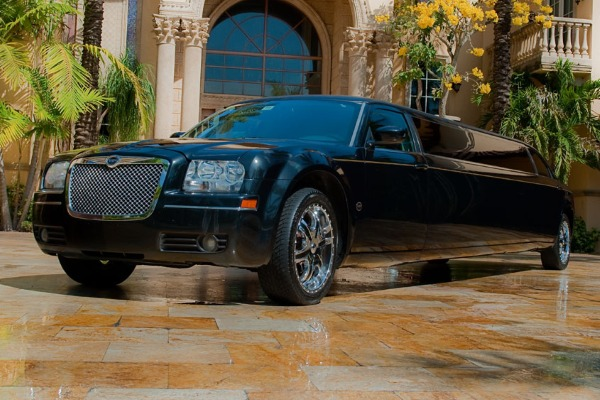 Chrysler 300 Limo Service Chattanooga