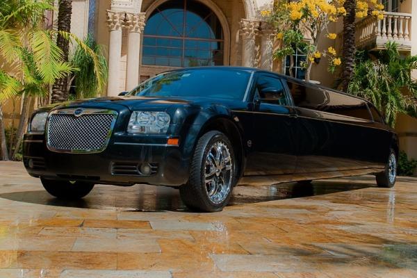 Chrysler 300 Limo Service Hendersonville